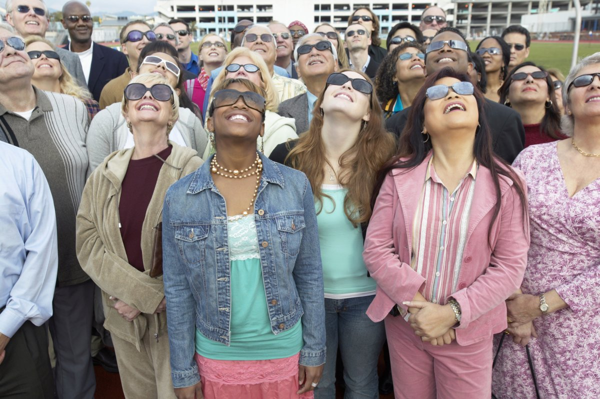 Image of a group of eclipse watchers